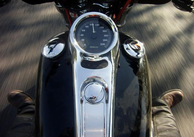 お車・バイクのメーター修理や設定に特化したサービスを提供いたします。